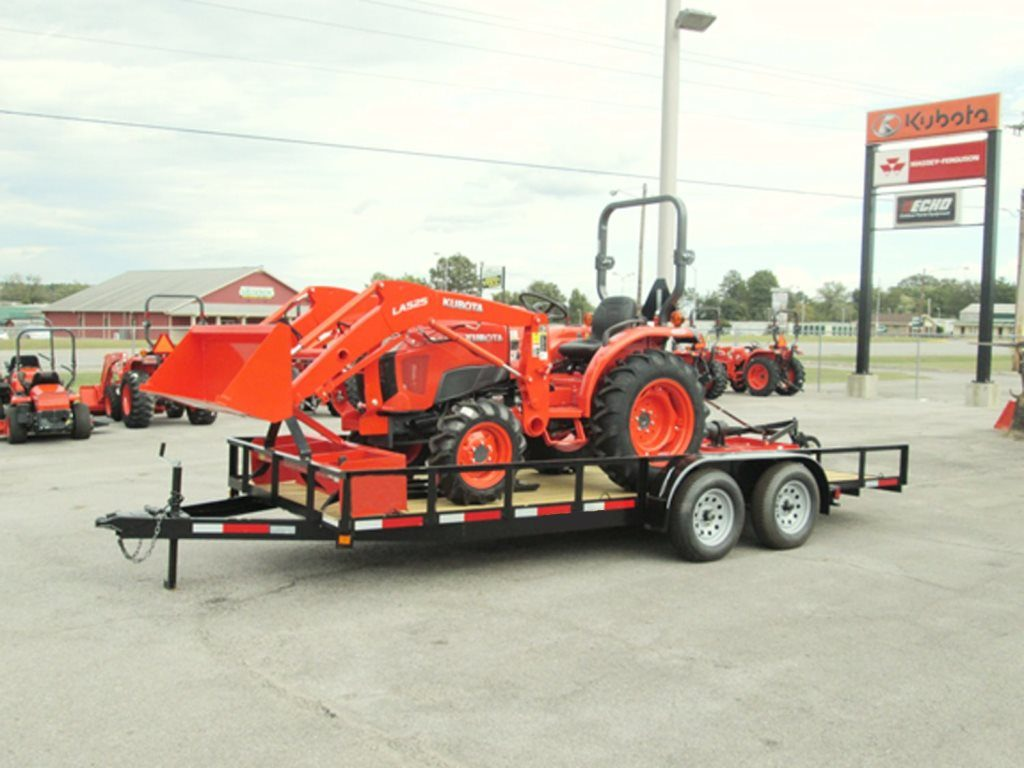 kubota L3901 HST 3 Tractor