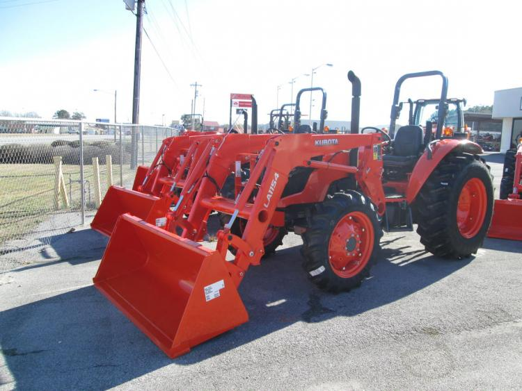 kubota M6060HD Tractor